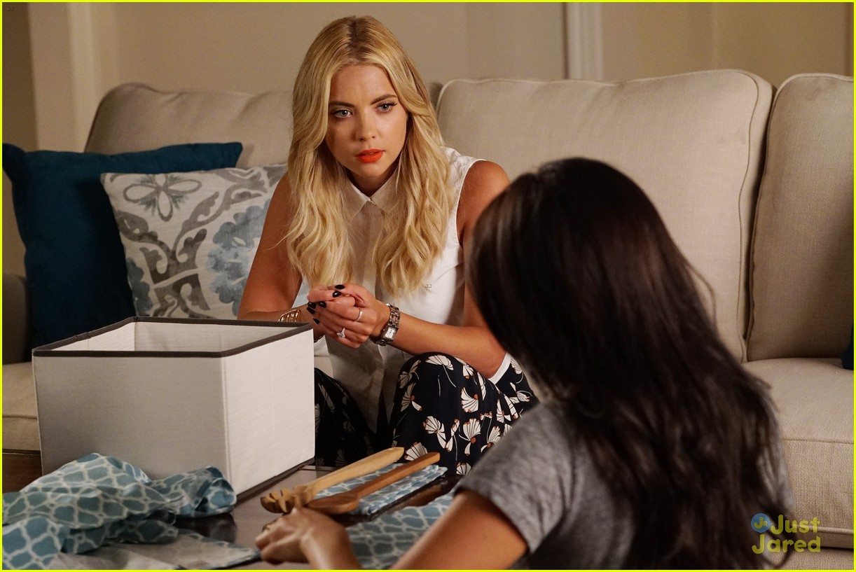 pretty little liars jordan liam first look 01
