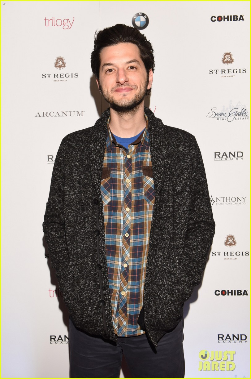 Ben Schwartz and Gina Rodriguez Dating - Celebnmusic247