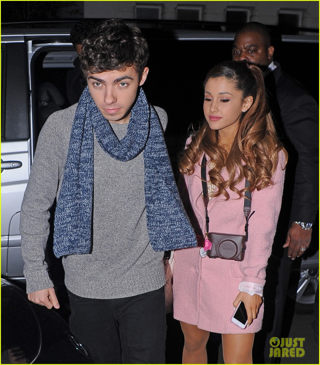 Are ariana and nathan sykes dating
