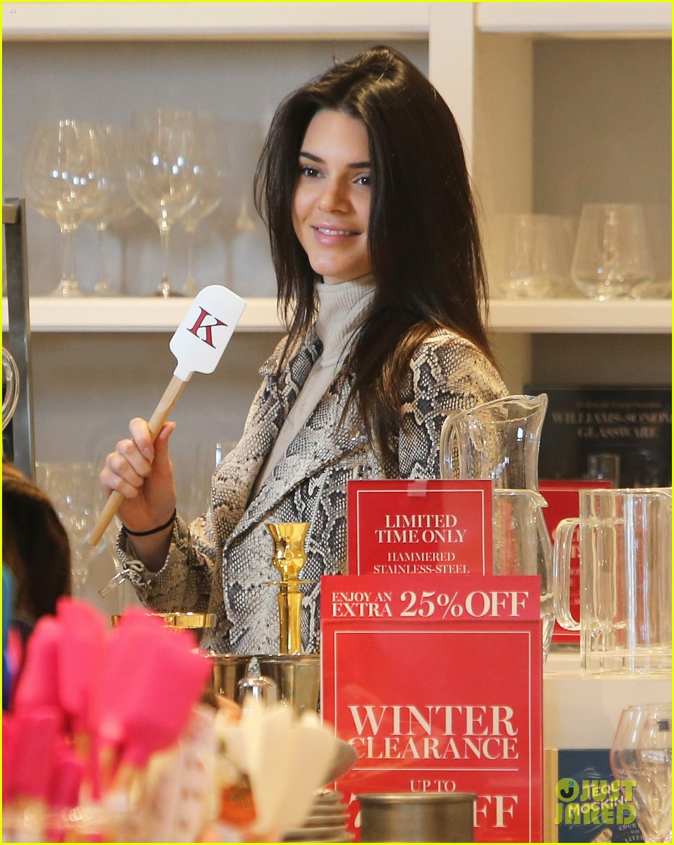 kendall jenner remembers her first day of high school photo 915280 photo gallery just. Black Bedroom Furniture Sets. Home Design Ideas