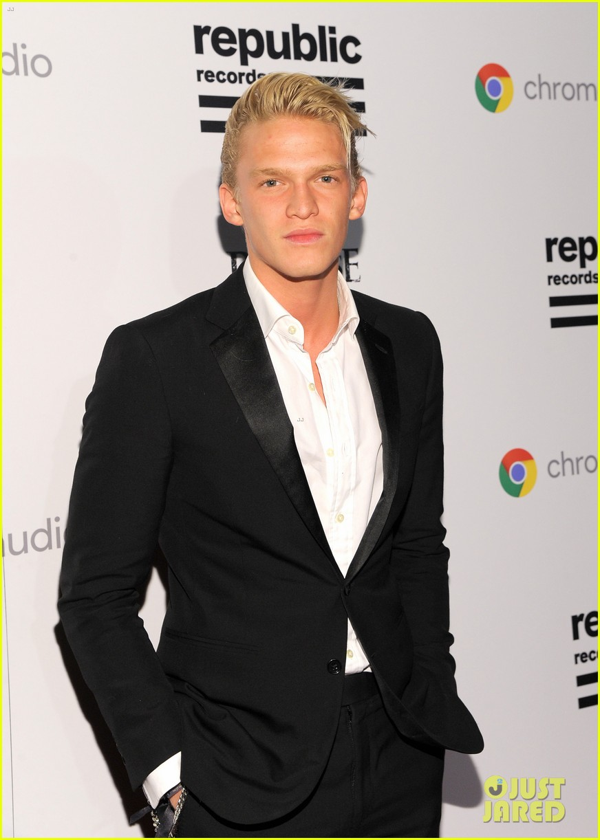 cody alli simpson 2016 grammys party 01