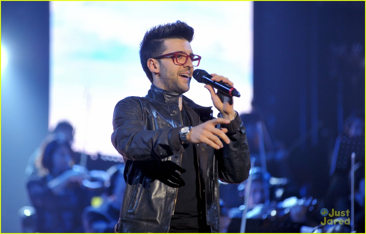 il volo milan italy close europe tour out 04