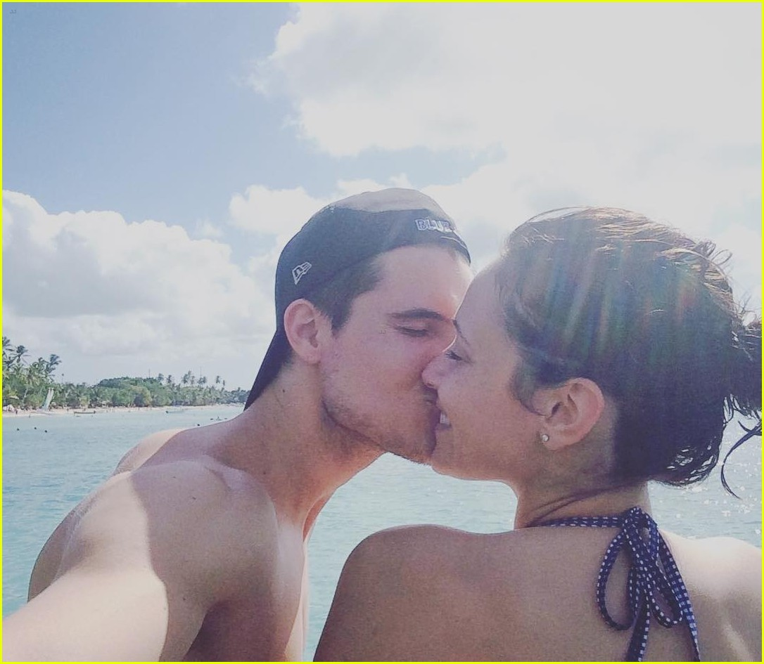 robbie amell talks wedding to italia ricci she freaked