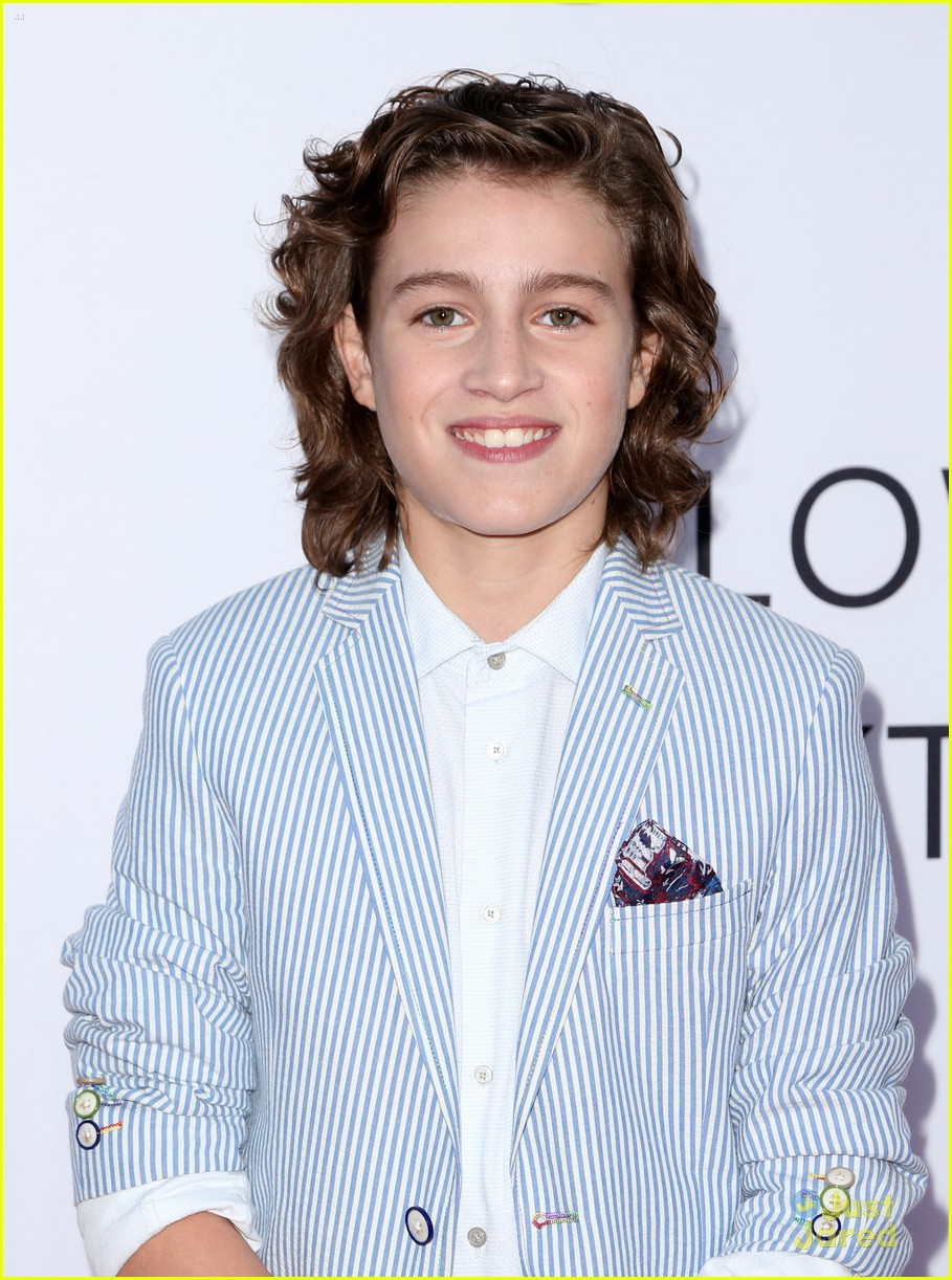 Admirable Brandon Spink Loved Playing Jennifer Anistons Son In Mothers Hairstyles For Men Maxibearus