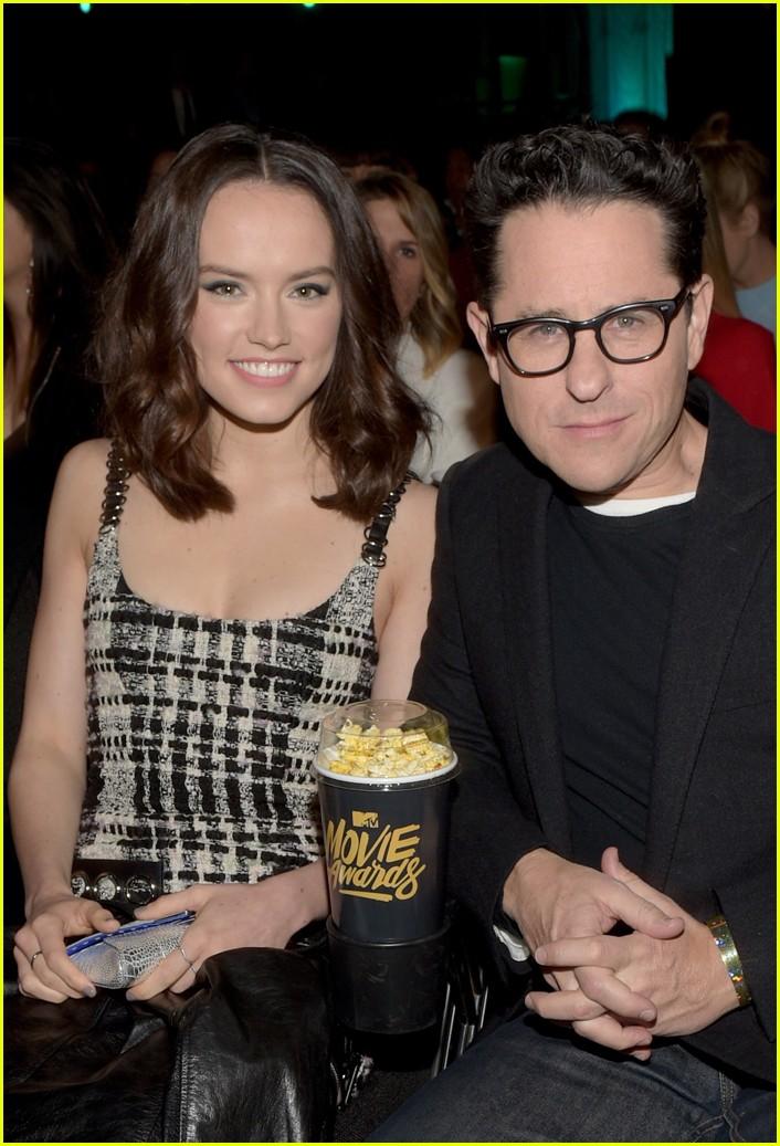 daisy ridley mtv movie awards 04