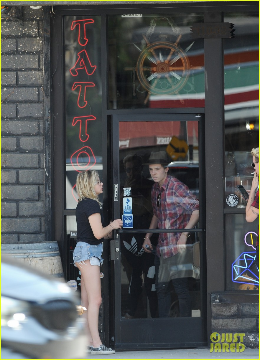chloe moretz brooklyn beckham spend the day together in LA 28