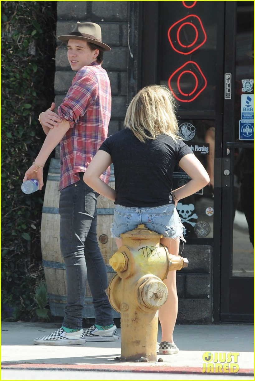chloe moretz brooklyn beckham spend the day together in LA 41
