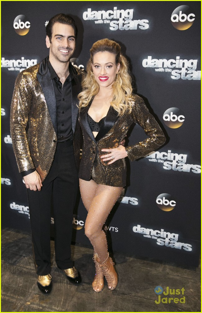 nyle dimarco sab ladies visit dwts icons night 01