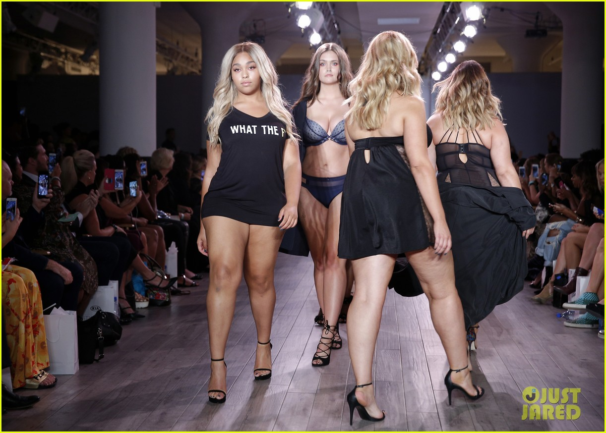 ash jordyn hit the runway in lingerie show during nyfw48807mytext