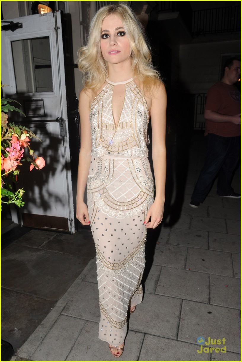 pixie lott oliver cheshire gq men year awards 11