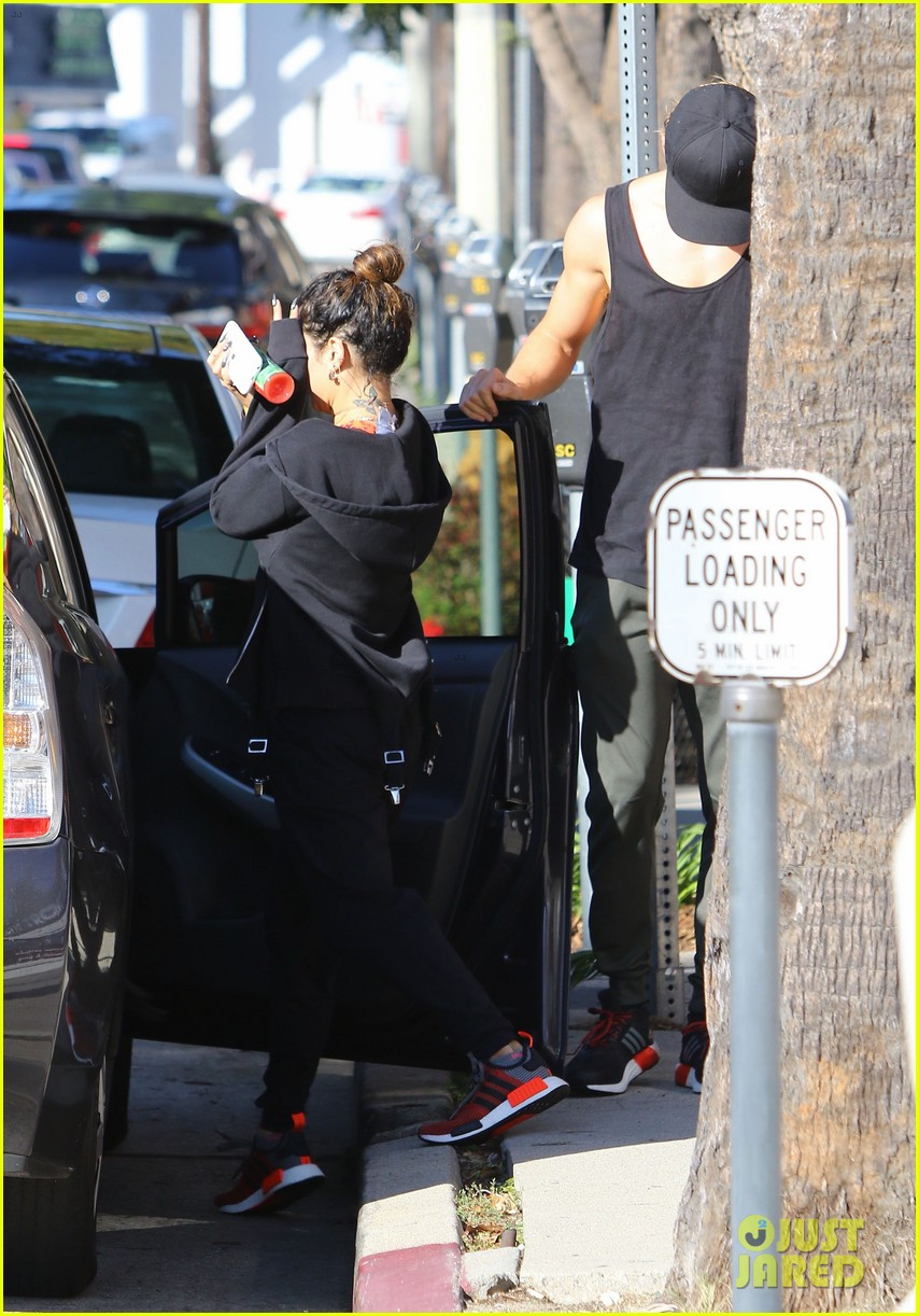 vanessa hudgens hits the gym after her halloween themed night 03