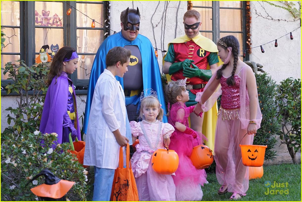 lily luke halloween costumes modern family tonight 05