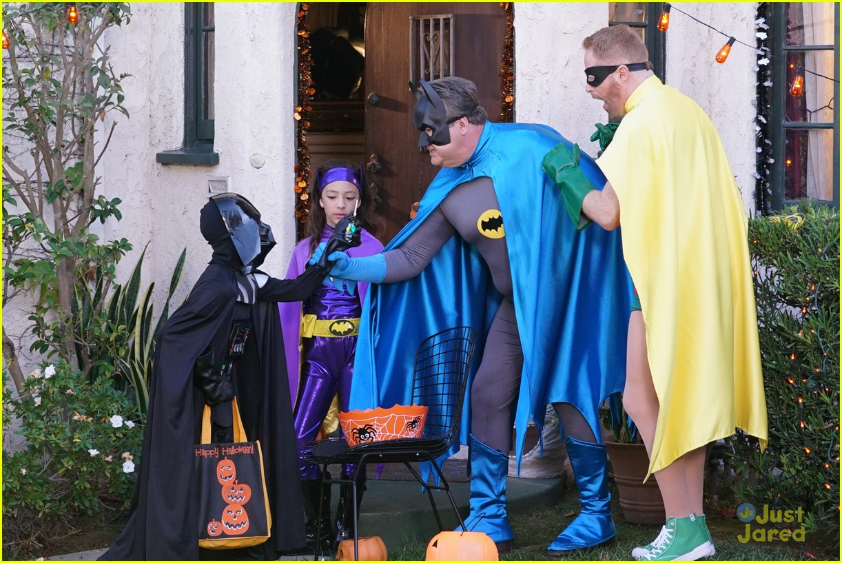 lily luke halloween costumes modern family tonight 39
