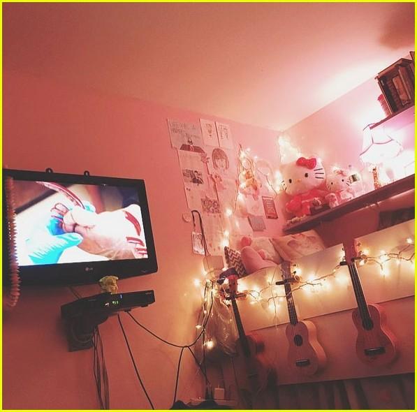 vanessa hudgens bedroom