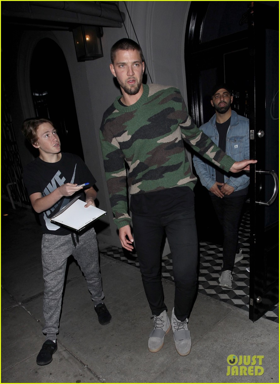 kendall jenner hits the town with ex chandler parsons 02