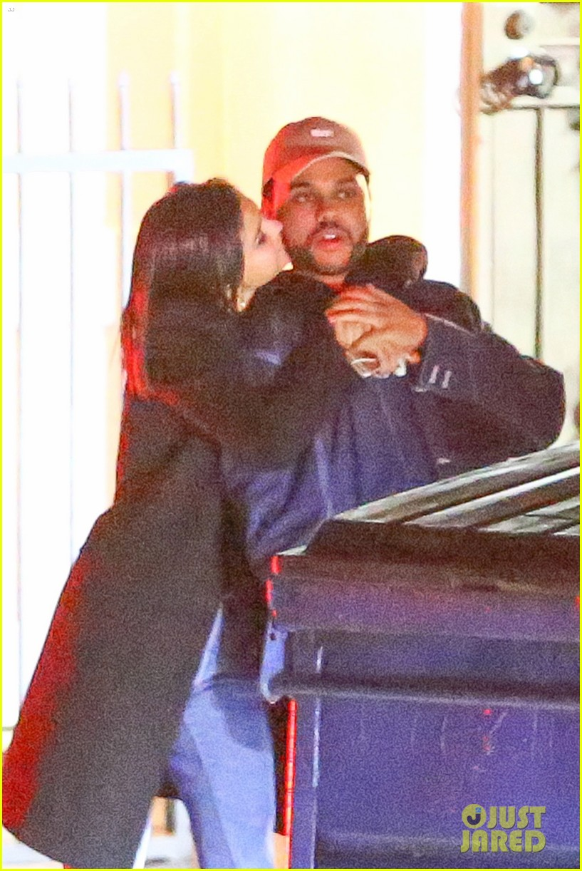 selena gomez the weeknd kiss cuddle new photos 02