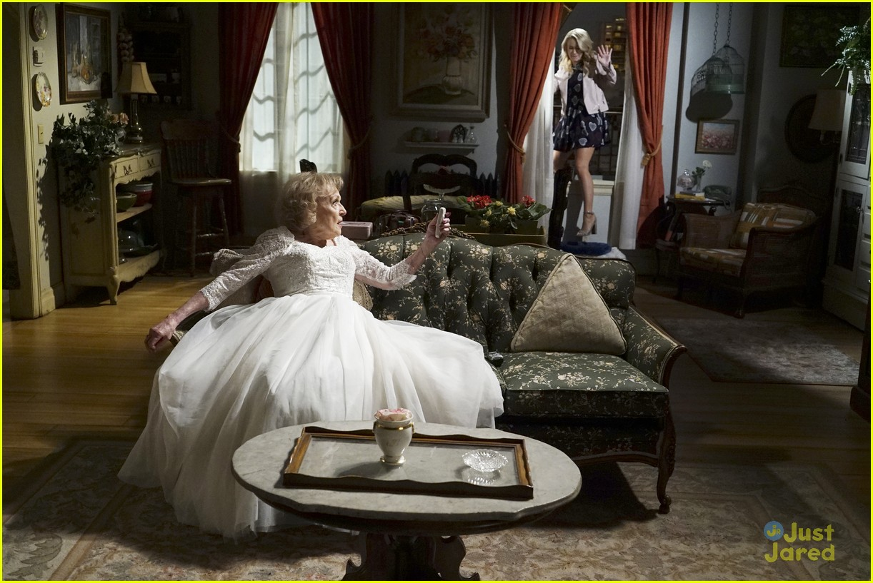 emily osment wedding dress episode betty white young hungry 27