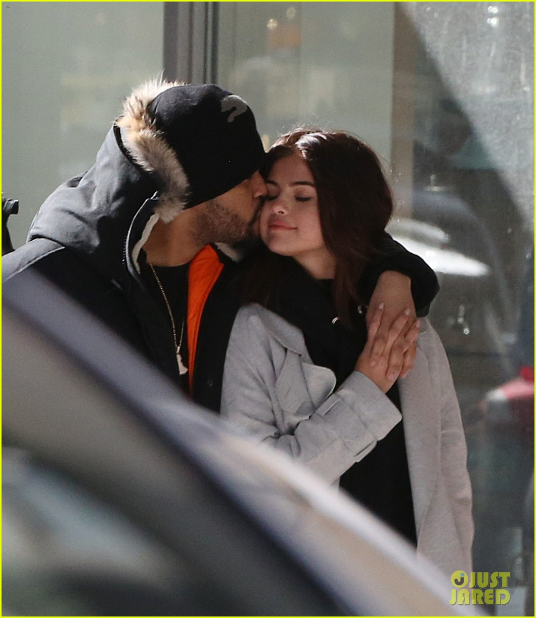 selena gomez the weeknd flaunted some pda in toronto 02