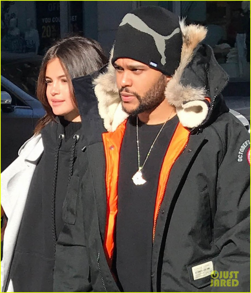 selena gomez the weeknd hold hands shopping toronto 03