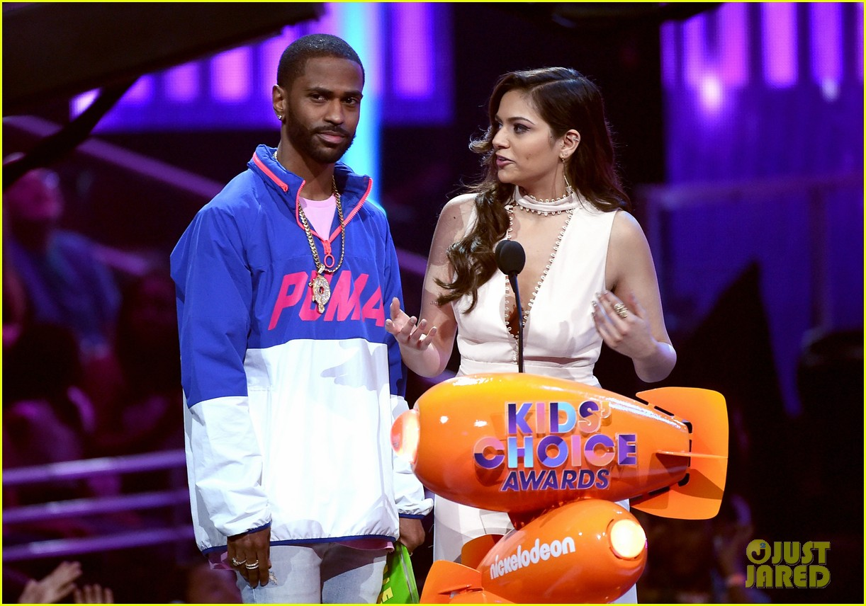 zendaya thanks fans after winning best actress at kcas 20172 03