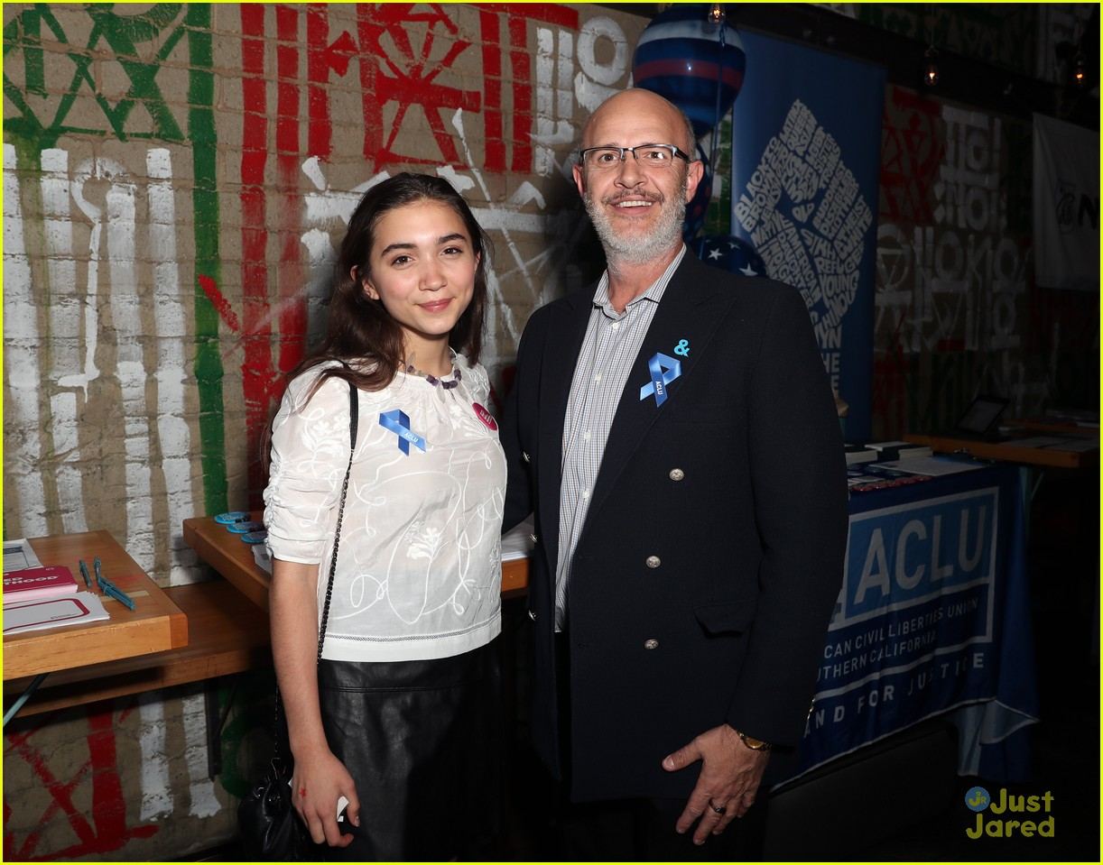 rowan blanchard yael grobglas shelter for all event 05