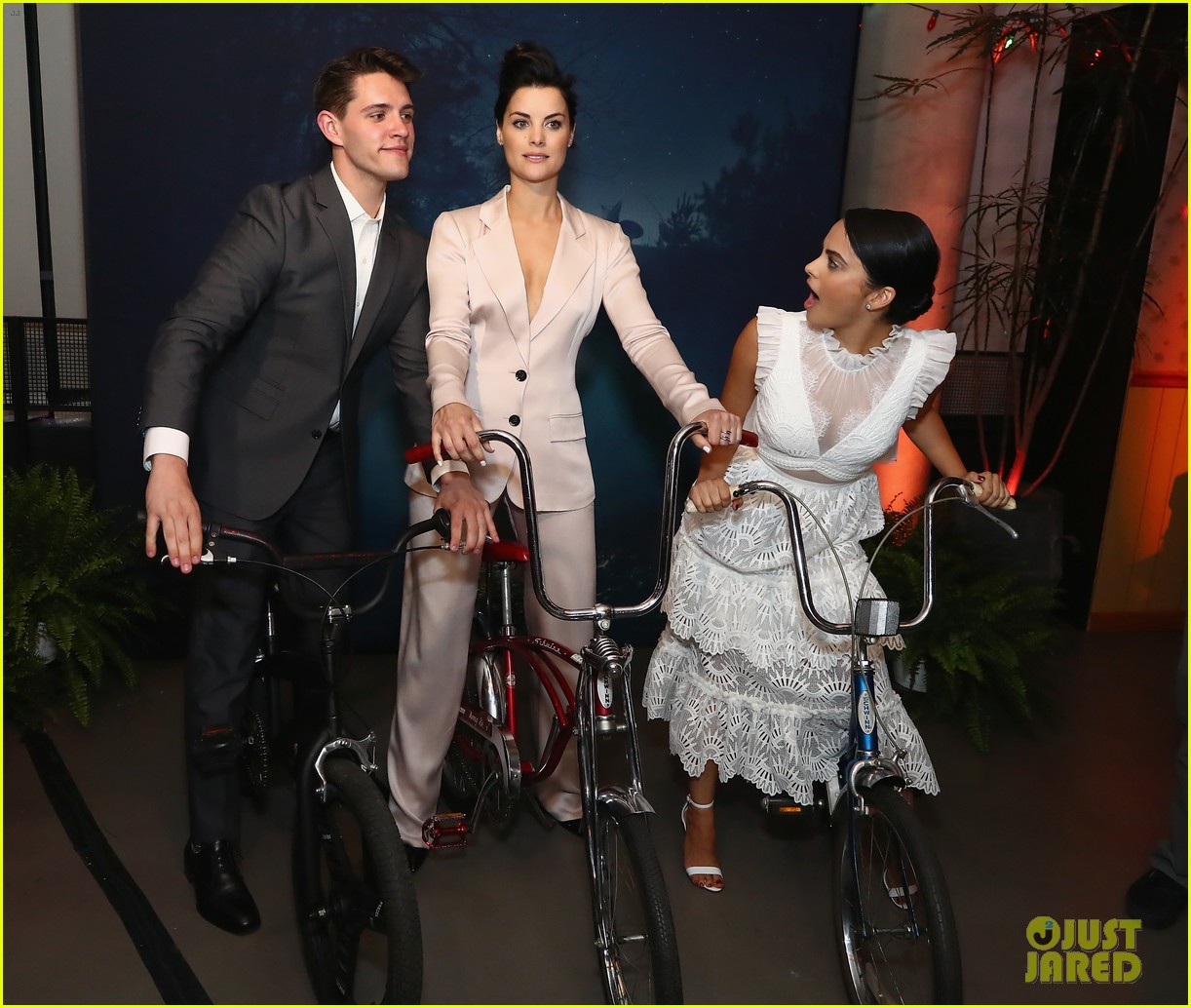 13 reasons why riverdale ew people upfronts party 05
