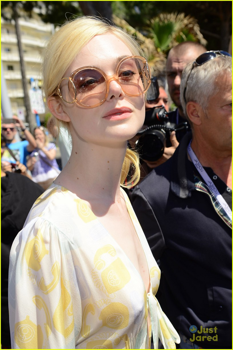 elle fanning out cannes special pjs 15