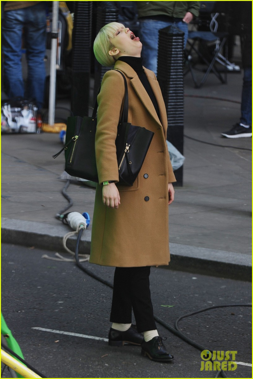 jennifer lawrence gets into character on red sparrow set 01