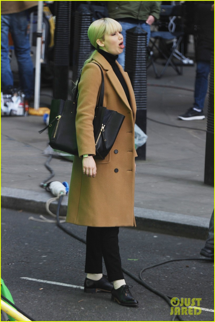 jennifer lawrence gets into character on red sparrow set 06