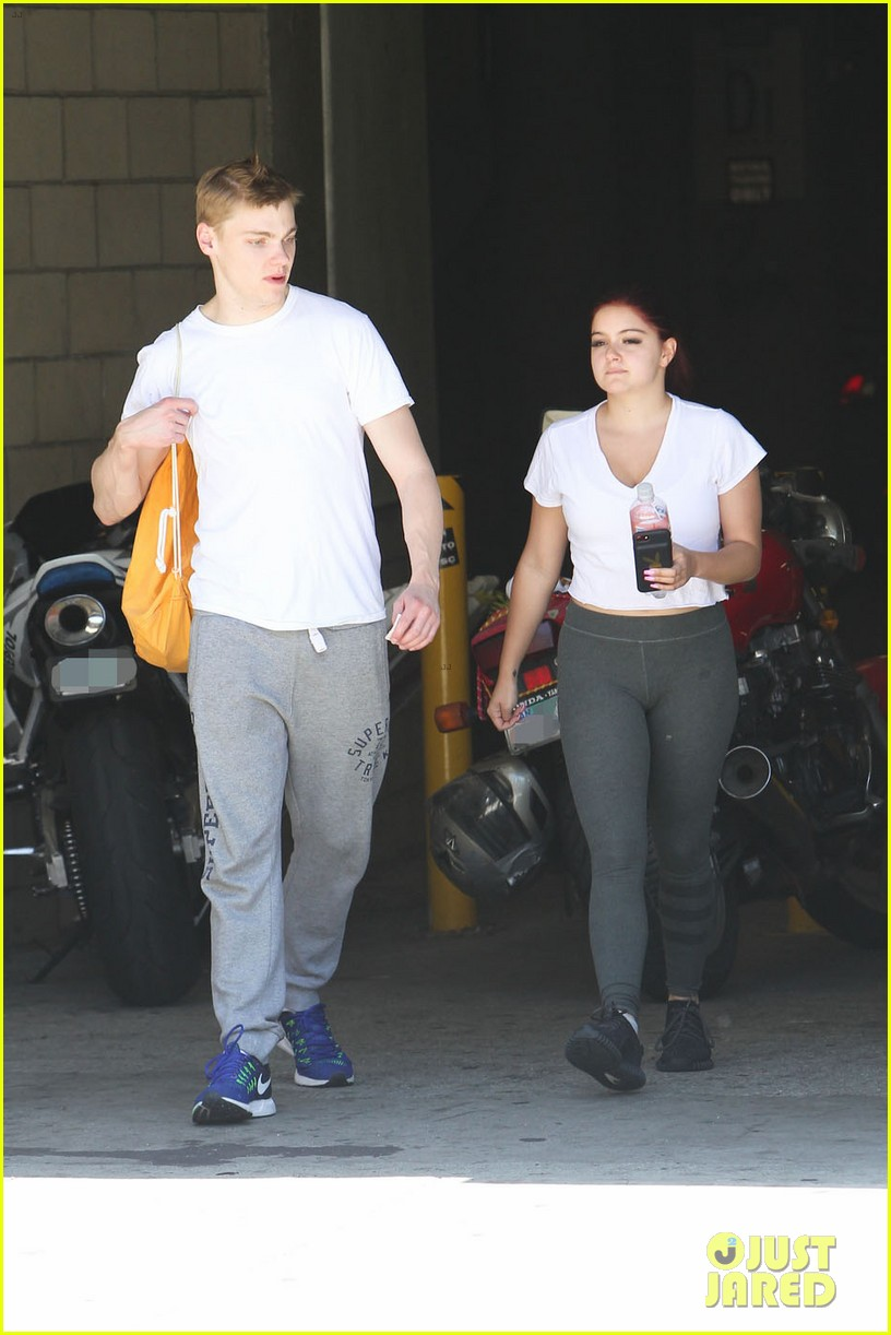ariel winter shows off new red hair color while out with boyfriend levi meaden2 08