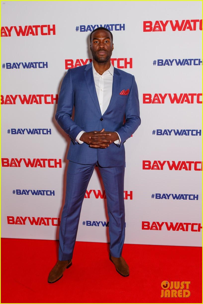 zac efron alexandra daddario baywatch sydney 01