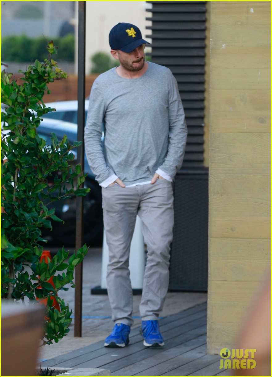 jennifer lawrence darren aronofsky grab dinner in malibu05