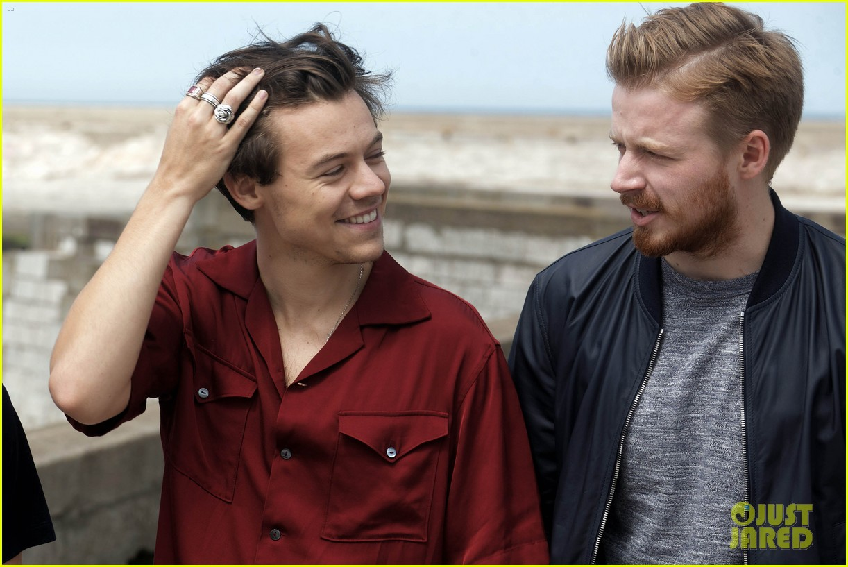 harry styles and dunkirk costars attend photo call in france 07