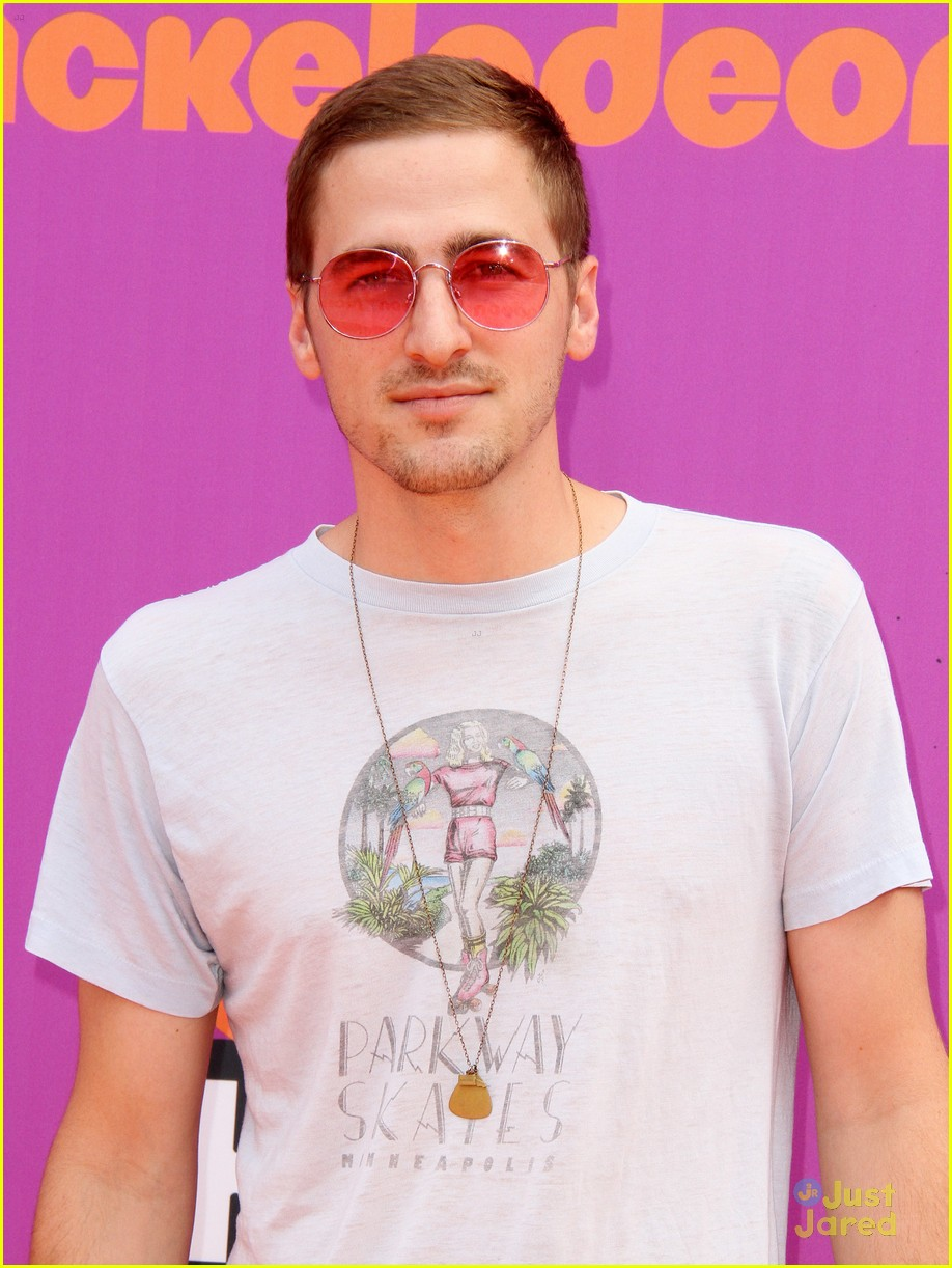 is kendall schmidt dating anyone 2017 Kendall schmidt height weight body age kendall schmidt is currently 25 according to katelyn tarver who performs as jo taylor started dating schmidt in.