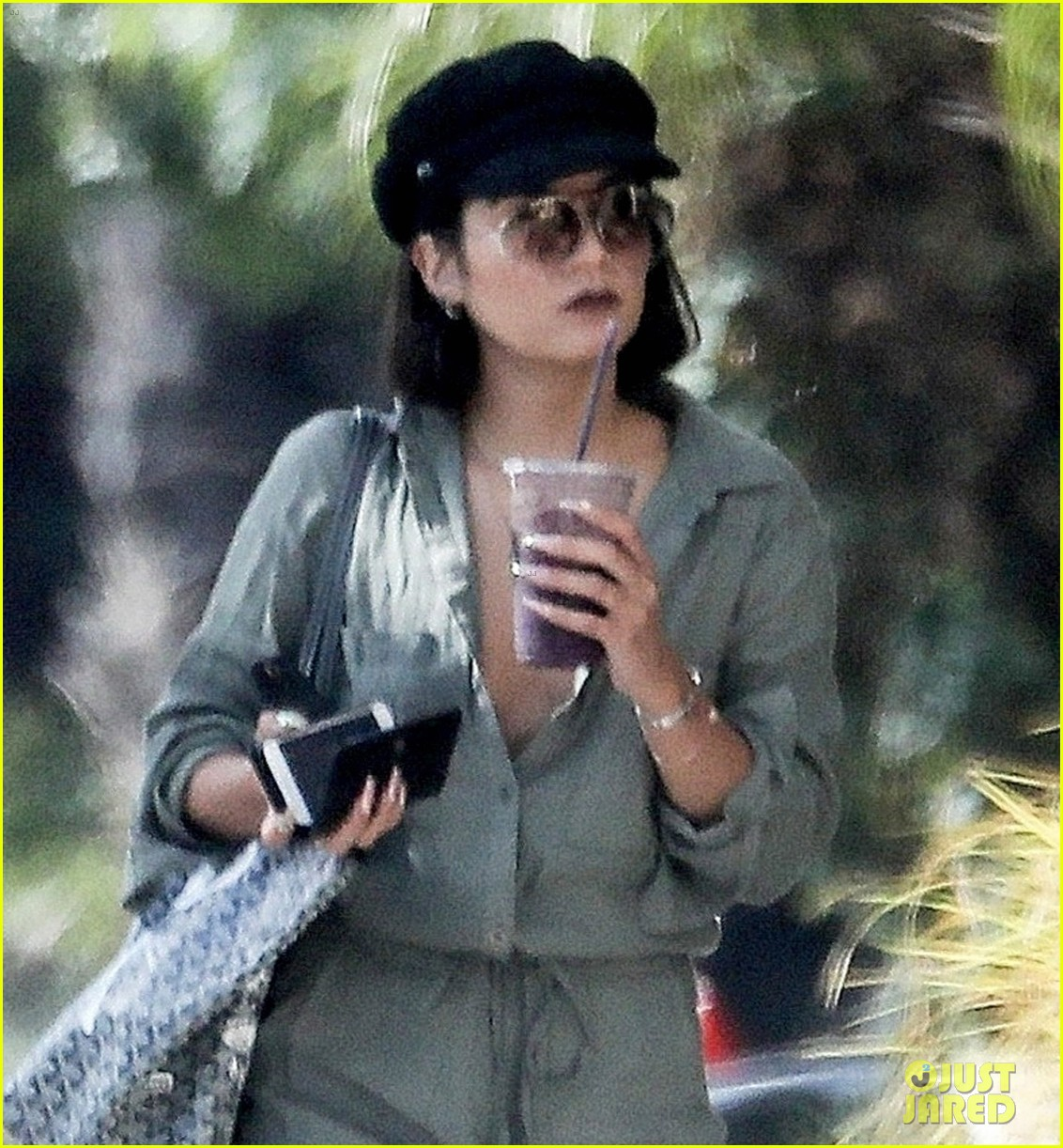 vanessa hudgens austin butler step out for solo coffee runs 04