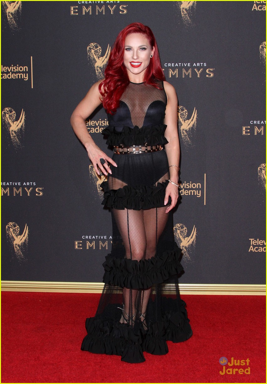 derek hough hayley  sharna julianne brooks emmys 02