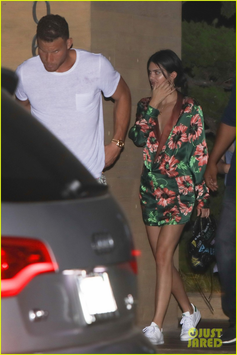 kendall jenner blake griffin grab dinner at nobu 05