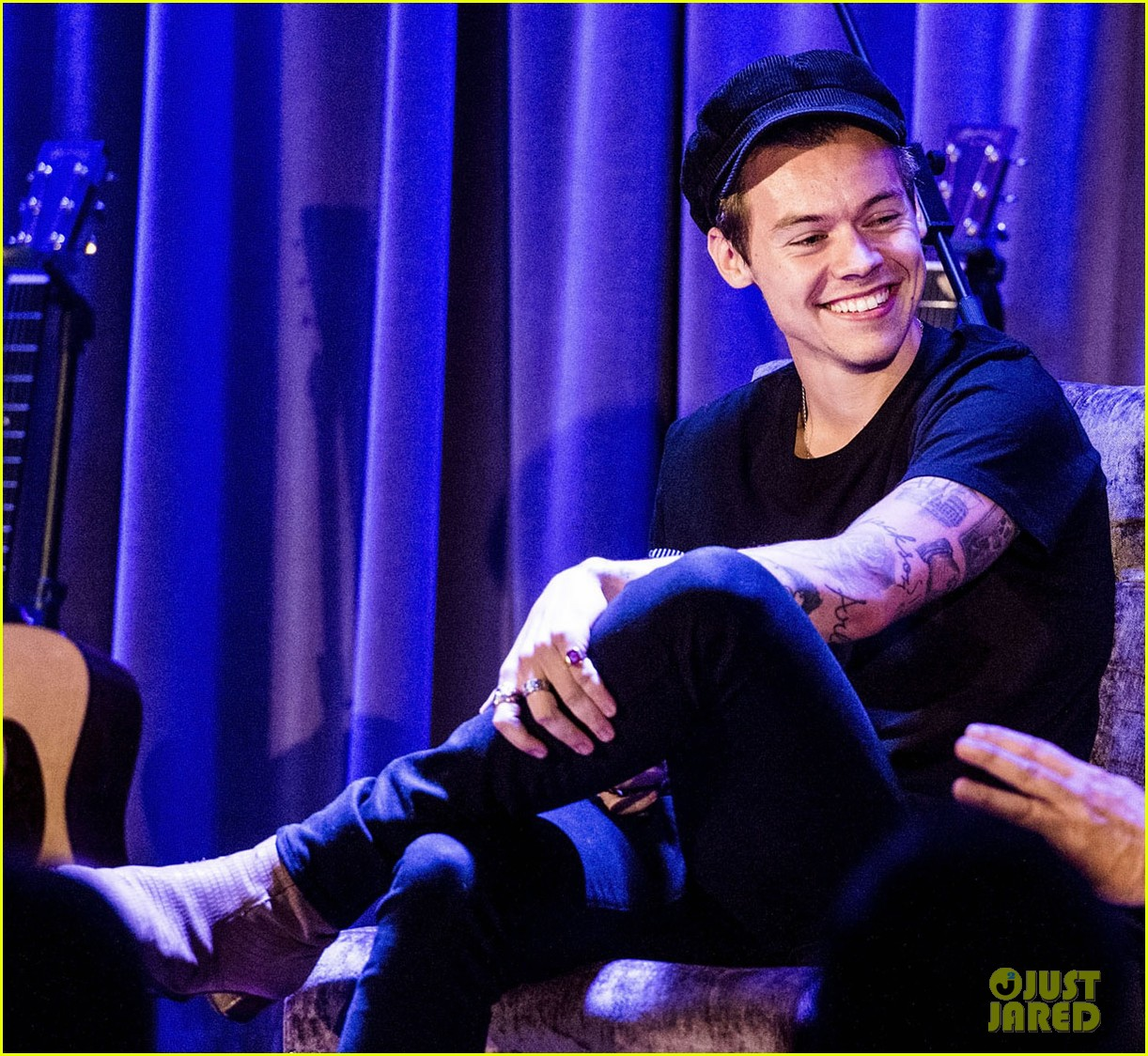 Harry styles explains why 39 from the dining table 39 is his for Dining table harry styles