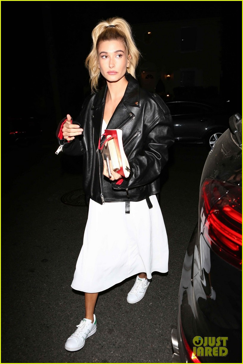 hailey baldwin church 01