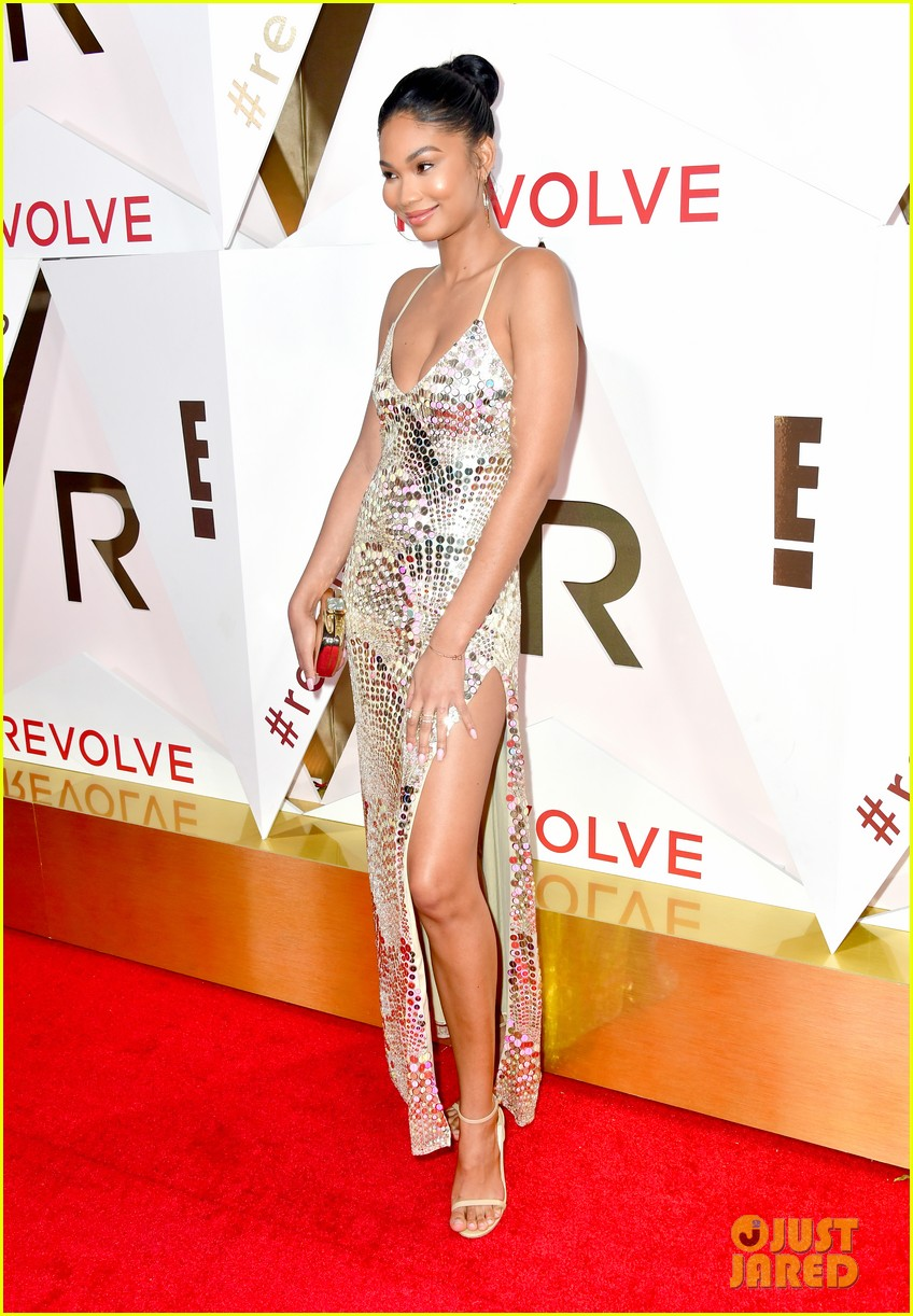 hailey baldwin and shay mitchell are beauties in black at revolve awards 2017 18