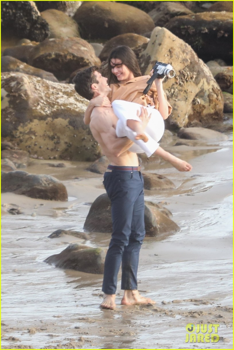 kendall jenner joins hot shirtless guy for beach photo shoot 01