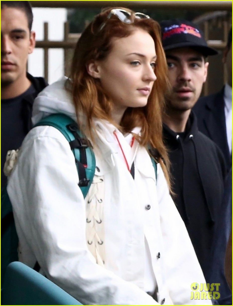 joe jonas and sophie turner wrap up stay in rio de janeiro 01