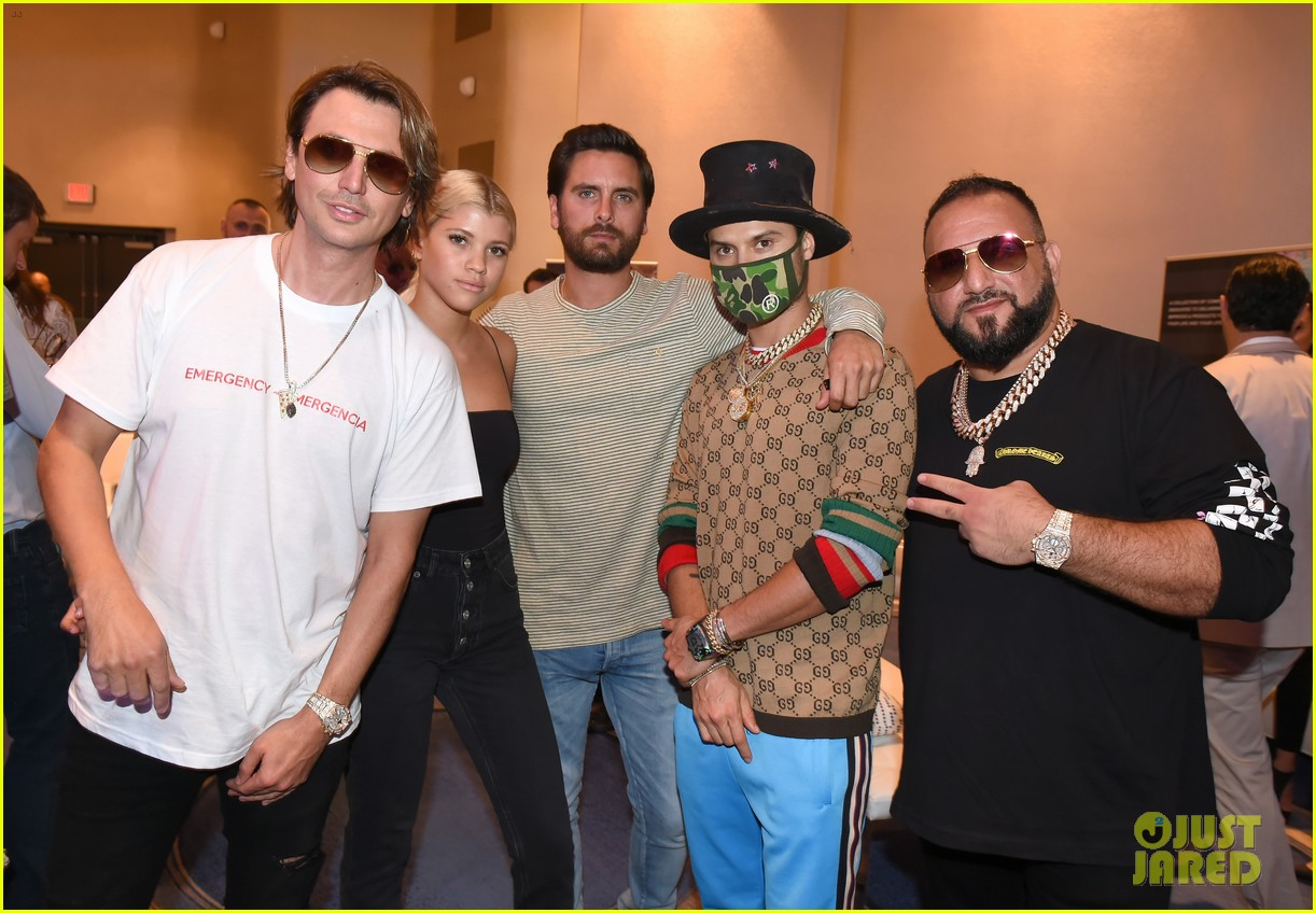 scott disick cuddles up to girlfriend sofia richie at art basel event 14