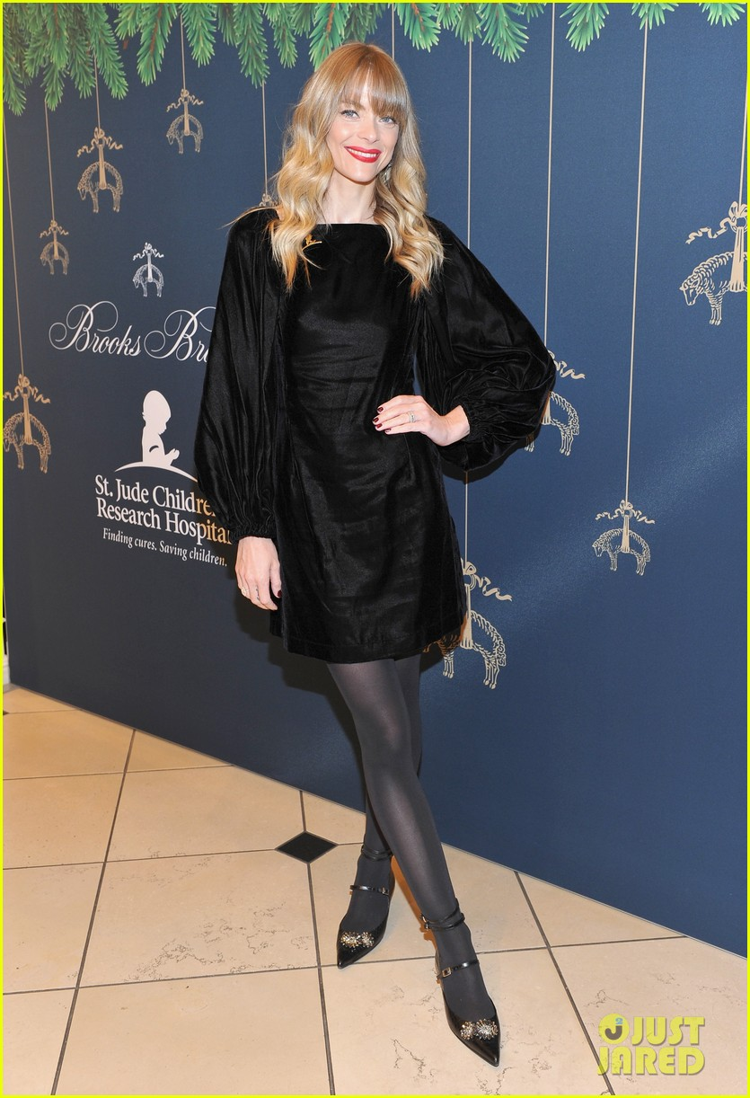 jennifer morrison jaime king camilla belle attend brooks brothers holiday event 02