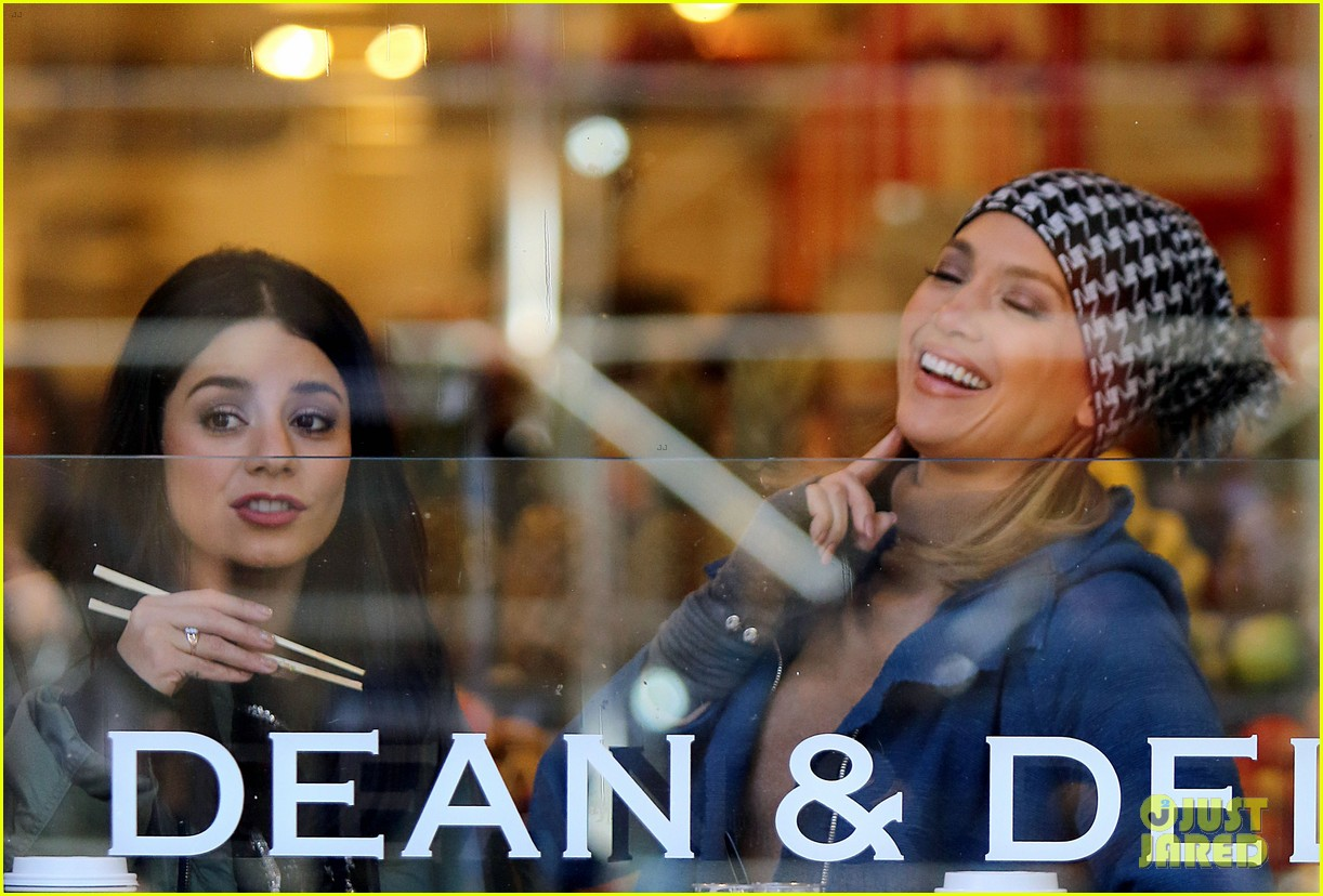 jennifer lopez and vanessa hudgens share a laugh at nyc cafe 02