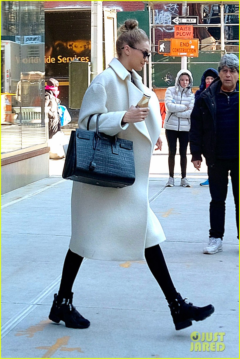 gigi hadid out about nyc 03