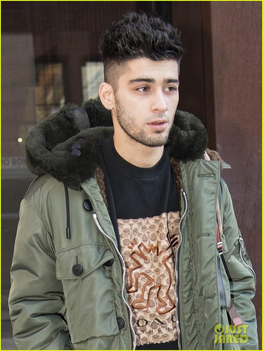 zayn malik makes a stylish exit from gigi hadids apartment 03